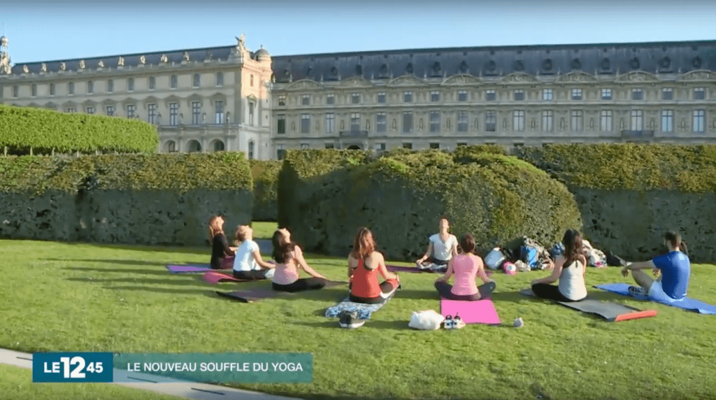 cours yoga paris outdoor