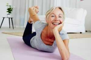 Pourquoi faire du yoga à la ménopause ?